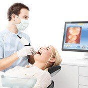 dentist using intraoral photography